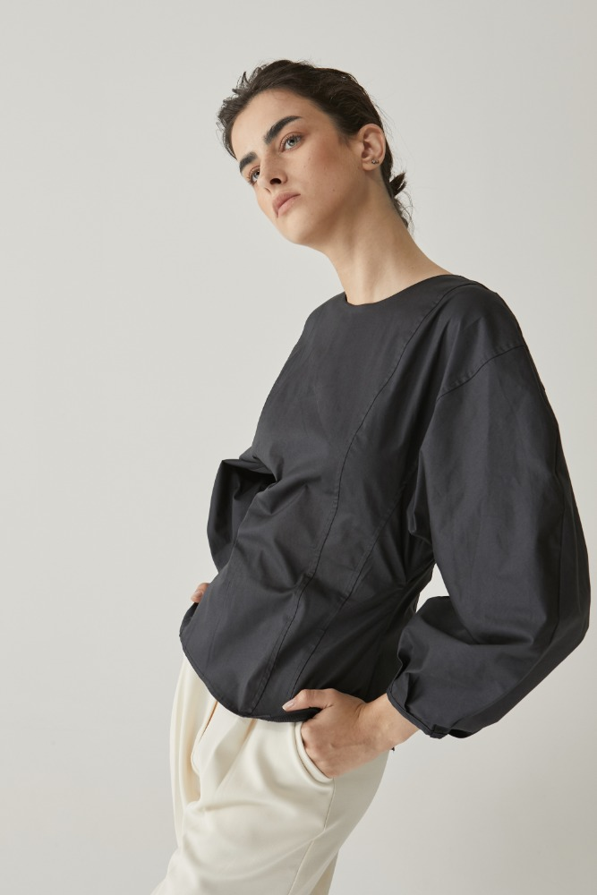 Curve sleeve blouse in Charcoal