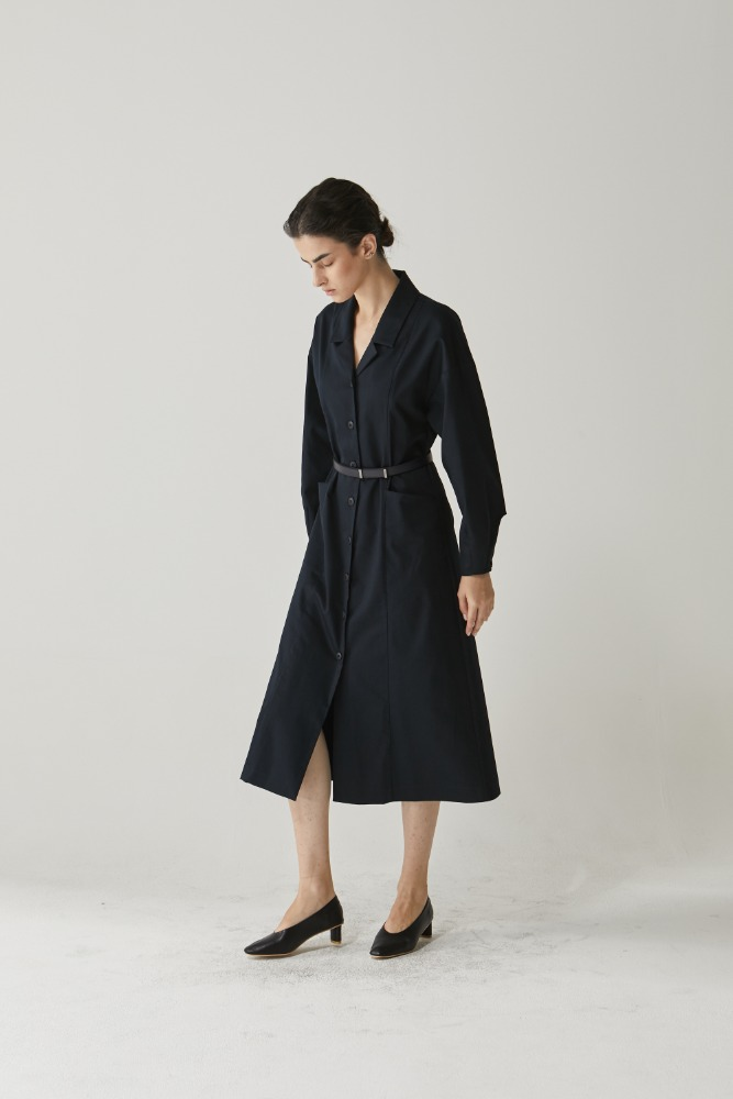 Belt clean span dress in Navy