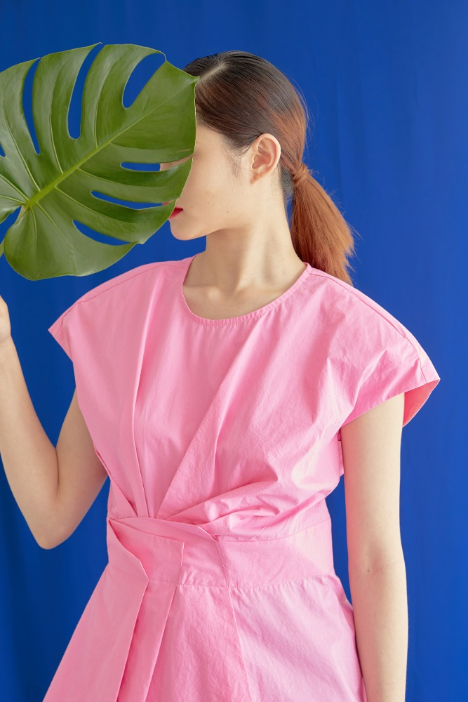 WIDE SHOULDER PLEATS SHIRTS IN PINK
